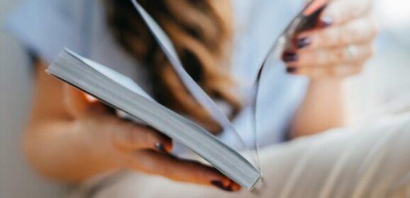 Comunicazione su carta: perché è efficace ed emoziona (ancora)